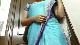 desi indian aunty showing boobs hot sex with rocco x video