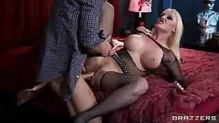 Hot Big-tit &, ass blonde Emo slut Tristyn Kennedy fucks hard