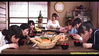 Jav Teen Ootsuki Hibiki Rides Glory Hole In Front Of Friends