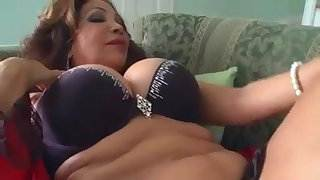 latina cougar loves anal sex in her fat ass