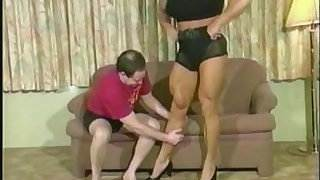 Muscular Women Are Hot at clips4sale.com
