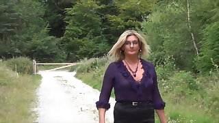 Secretary Sam on a Lunchtime Stroll