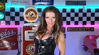Lynda Leigh 3