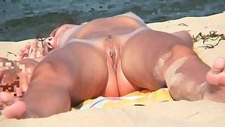 Close-up Pussy Nudist Beach Voyeur Shaved Babe Video