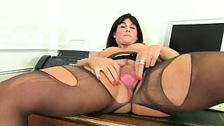 My favorite videos of British milf Lelani