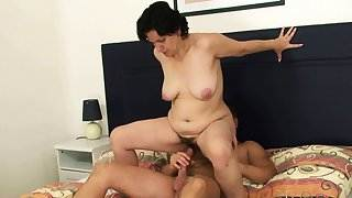 Son-in-law screws her old hairy pussy