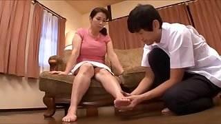 Japanese mature woman desire (part 1)